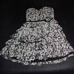 Lace party/homecoming dress
